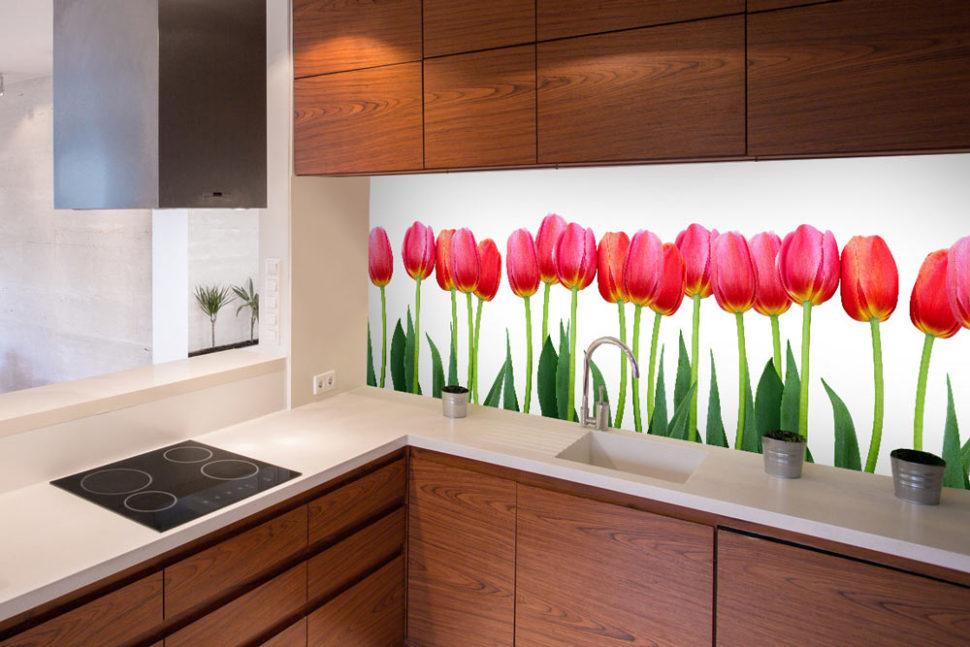 kuchynska zastena tulipany